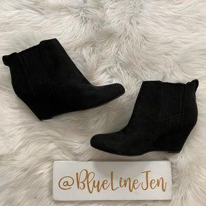 Gavin Wedge Booties NWOT